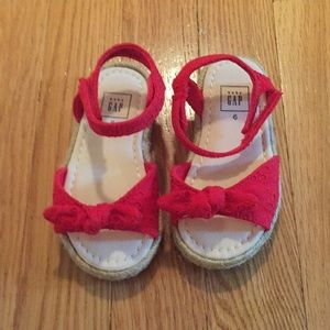 Nwot size 6 red sandals
